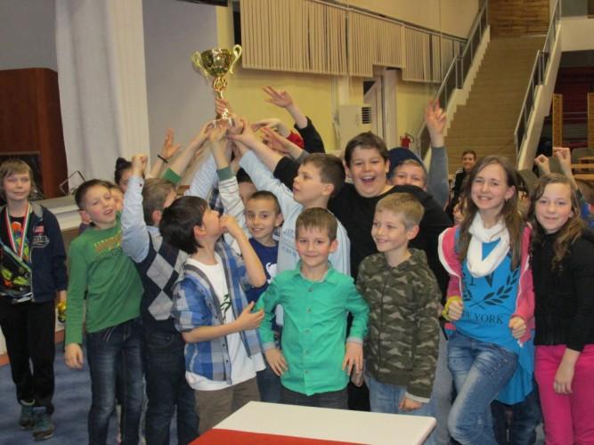 A 2015. évi VII. Bethlen Sakk Kupa győztese: a Huszár Gál Iskola